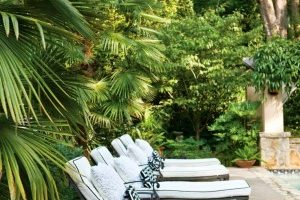 Spring-Outdoor-Relaxing-Ideas-Under-The-Shade-Of-Trees-300x300